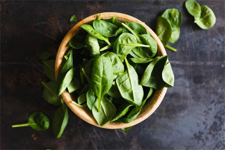 Spinat ist ein sehr kohlenhydratarmes Gemüse