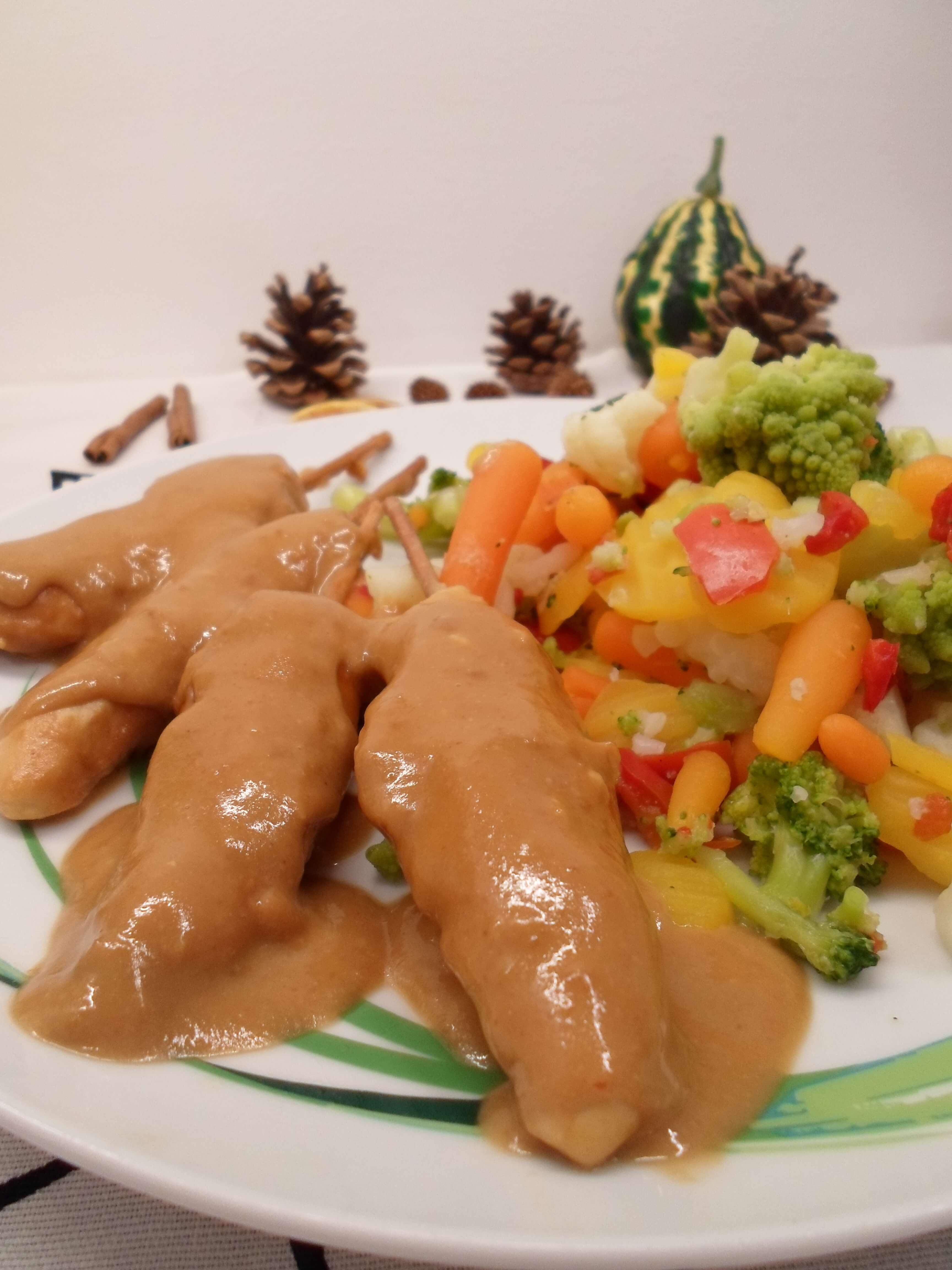 Hähnchenspieße mit Erdnuss Curry Sauce Rezept