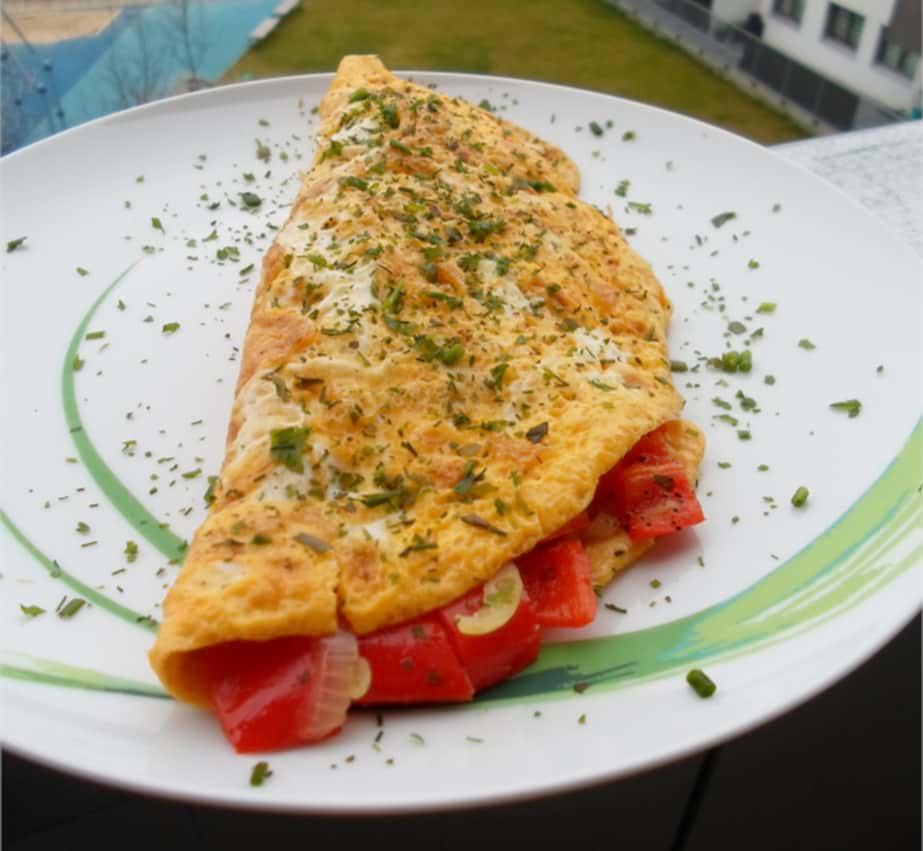 Omelette mit Feta und Paprika