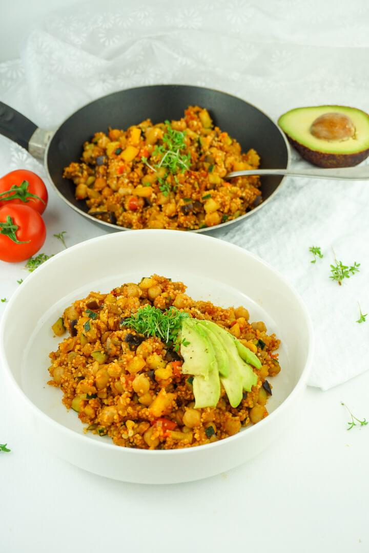 Cous Cous Pfanne mit Gemüse und Kichererbsen