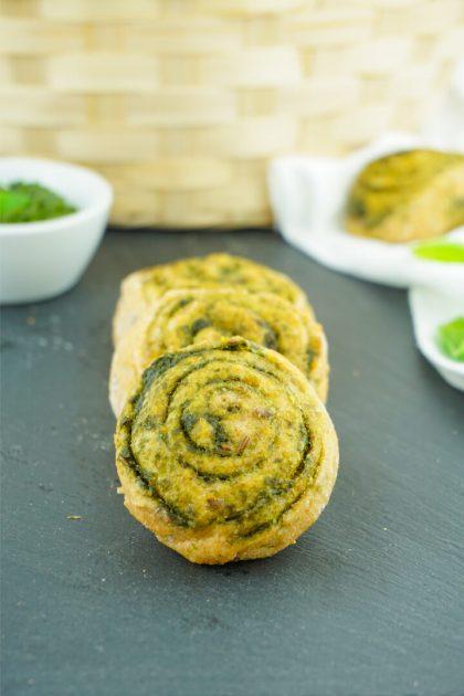 Pesto Schnecken mit Vollkornteig und Bärlauch