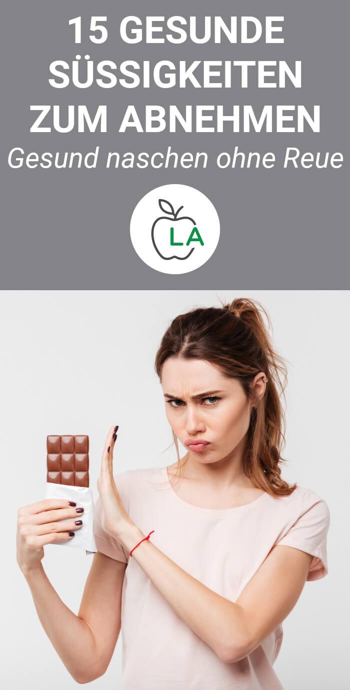 Frau möchte lieber gesunde Süßigkeiten zum Abnehmen
