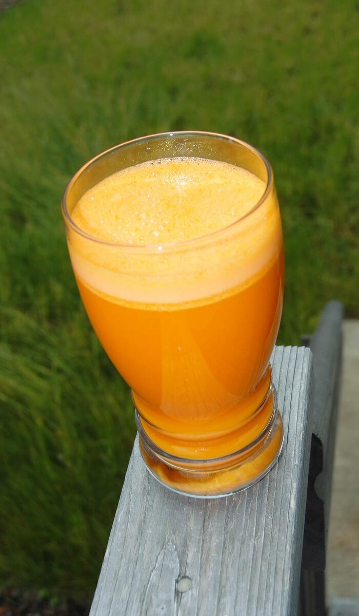 Oranger Smoothie für die Diät