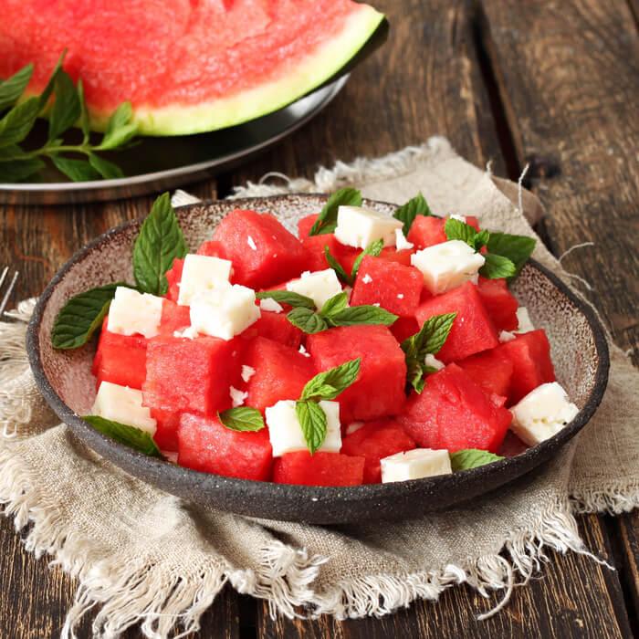 Kalorienarmer Wassermelonen Feta Salat