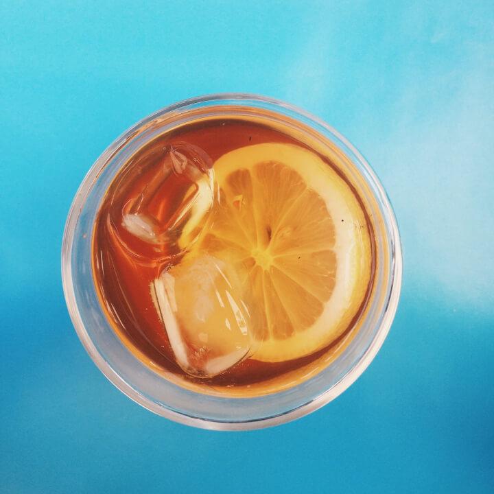 Selbstgemachter Orange Zimt Eistee ohne Zucker