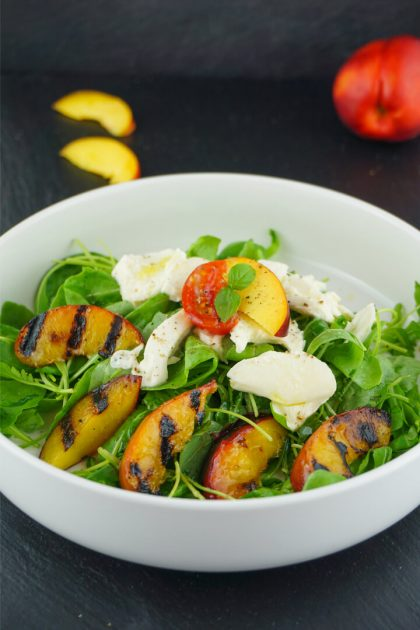 Low Carb Pfirsich Mozzarella Salat