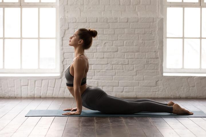 Bhujangasana als Yoga Übung für Anfänger