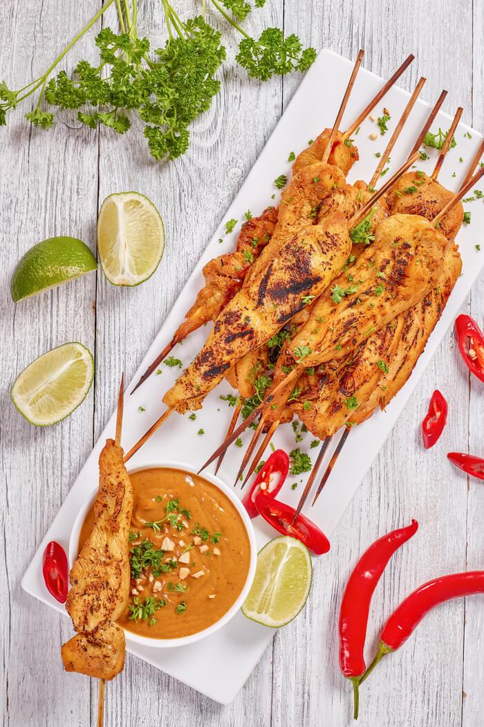 Hähnchenspieße mit Curry Erdnusssauce