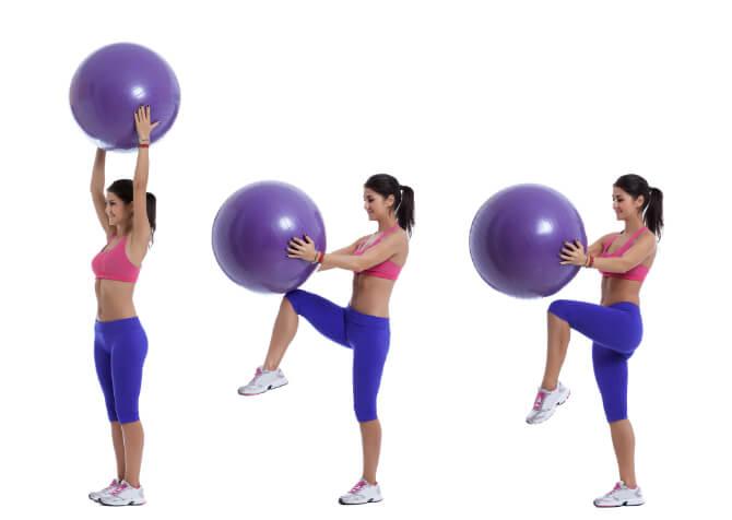 Pezziball Übung für Beine und Bauch