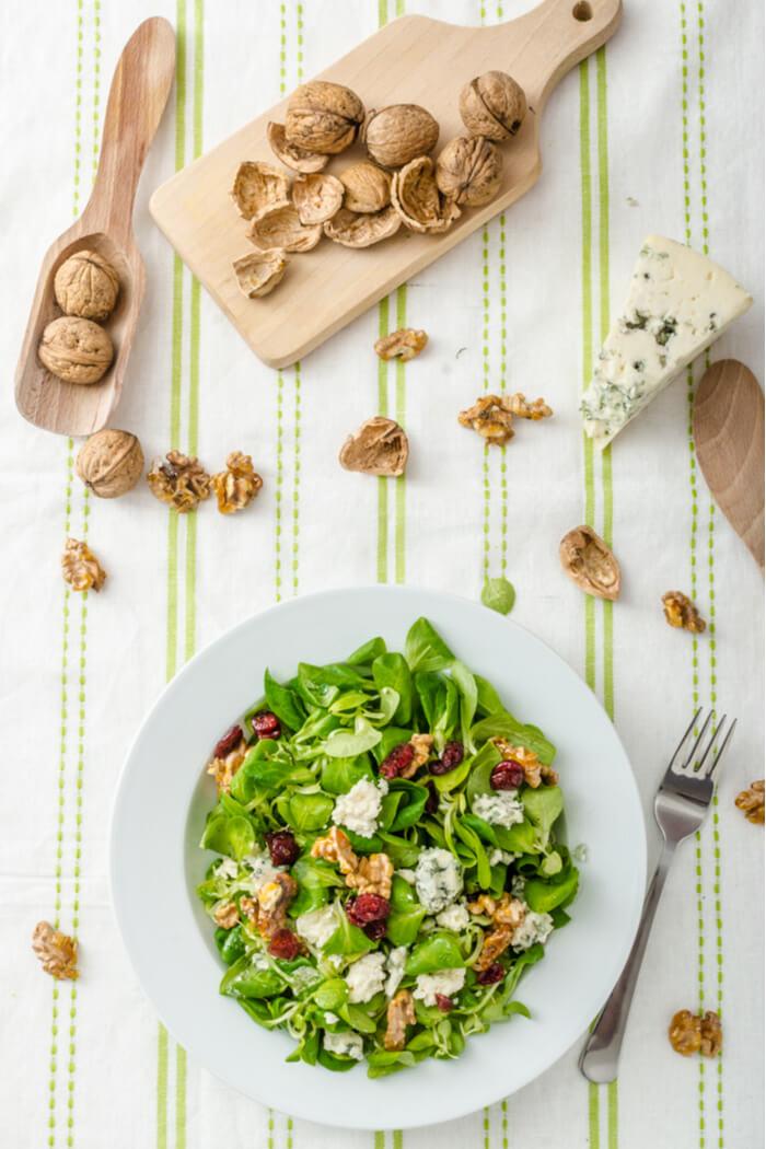 Salat mit Blauschimmelkäse