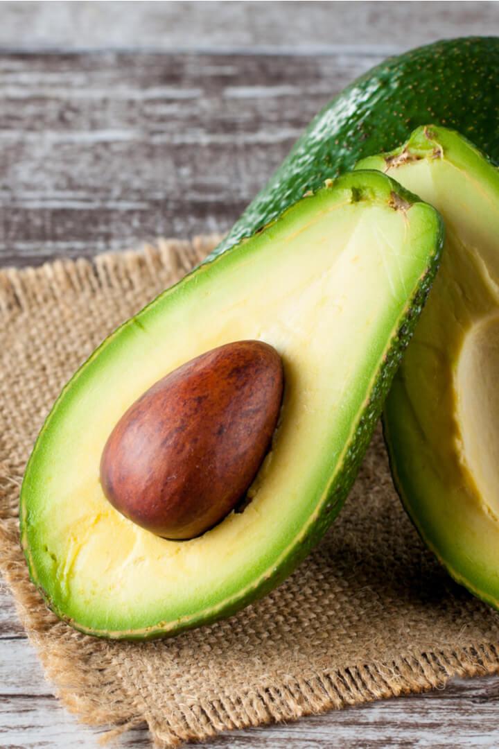 Avocado ist ein ballaststoffreiches Lebensmittel