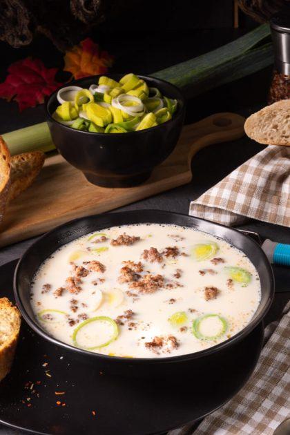 Low Carb Käse Lauch Suppe mit Hackfleisch