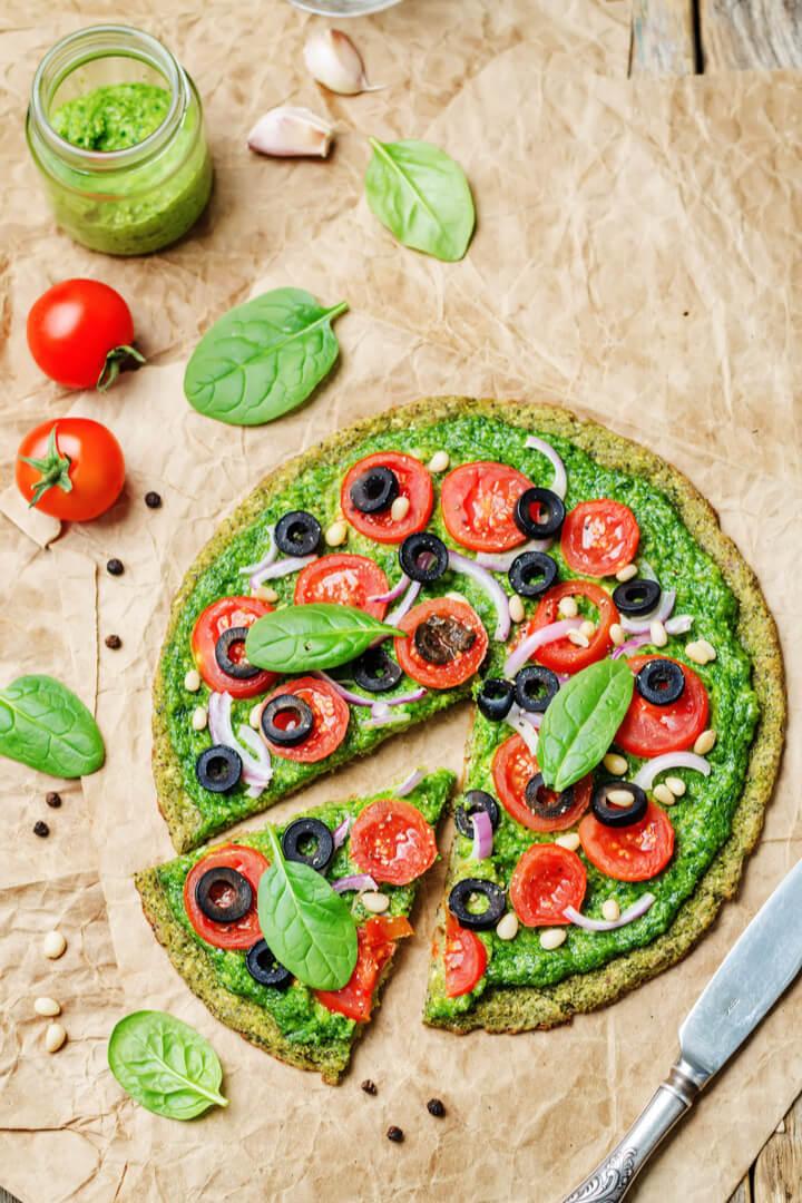 Low Carb Pizza mit Haferkleie