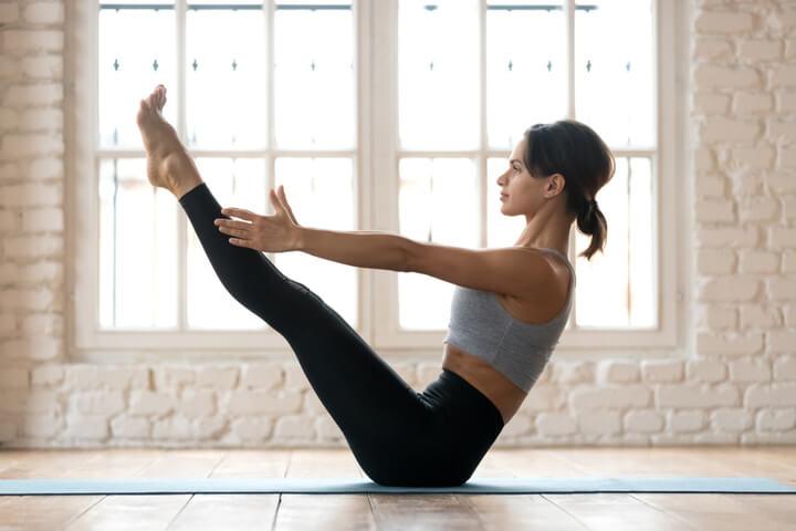 Navasana als Yoga Übung für den Bauch