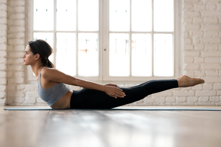 Salabhasana als Yoga Bauch-Übung