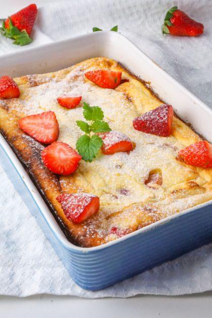 Grießauflauf mit Quark und Erdbeeren