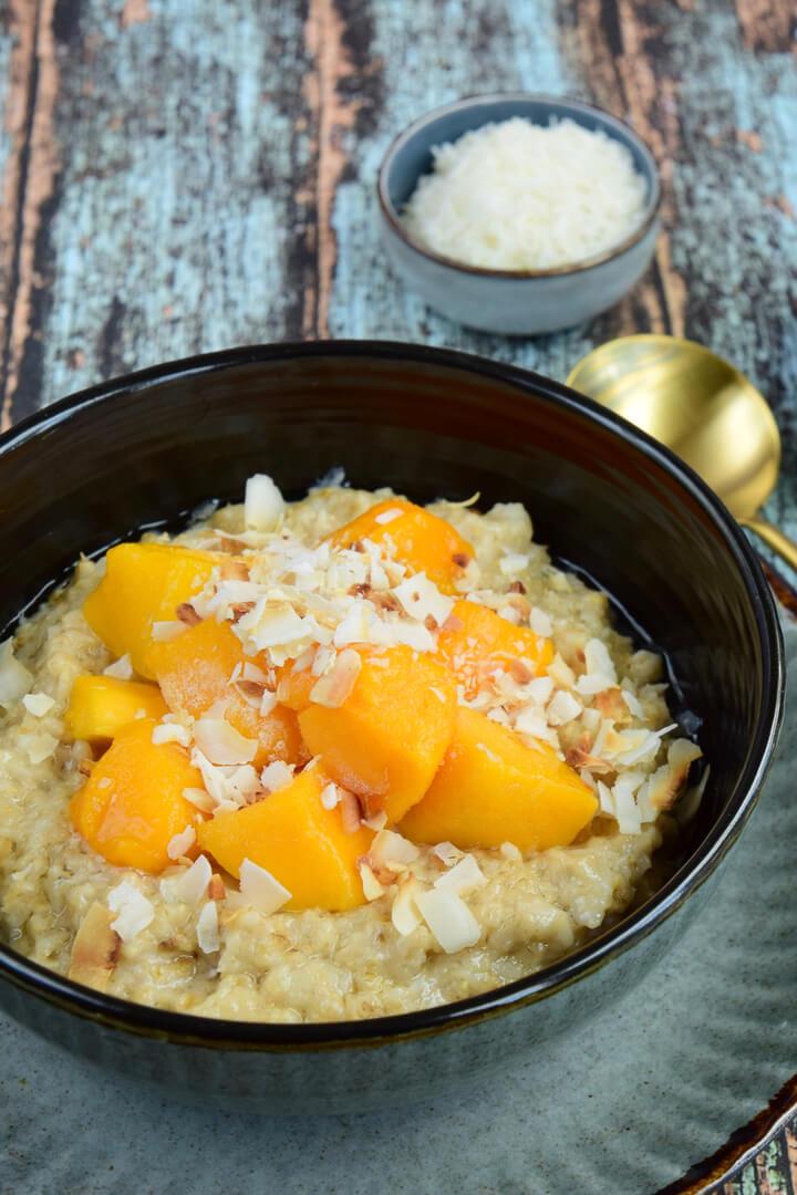 Veganes Mango Kokos Porridge Rezept