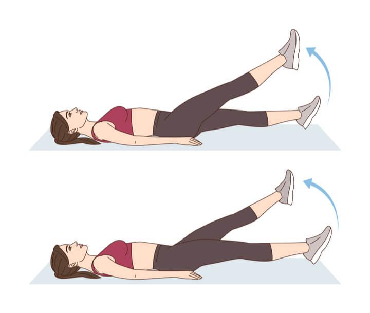 Scherenkicks als untere Bauchmuskel-Übung