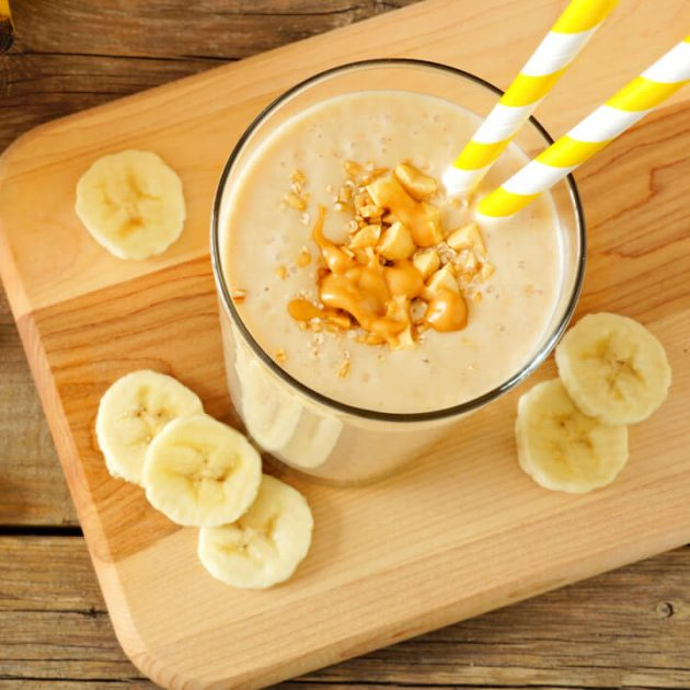 Banane Erdnuss Eiweißshake zum Abnehmen