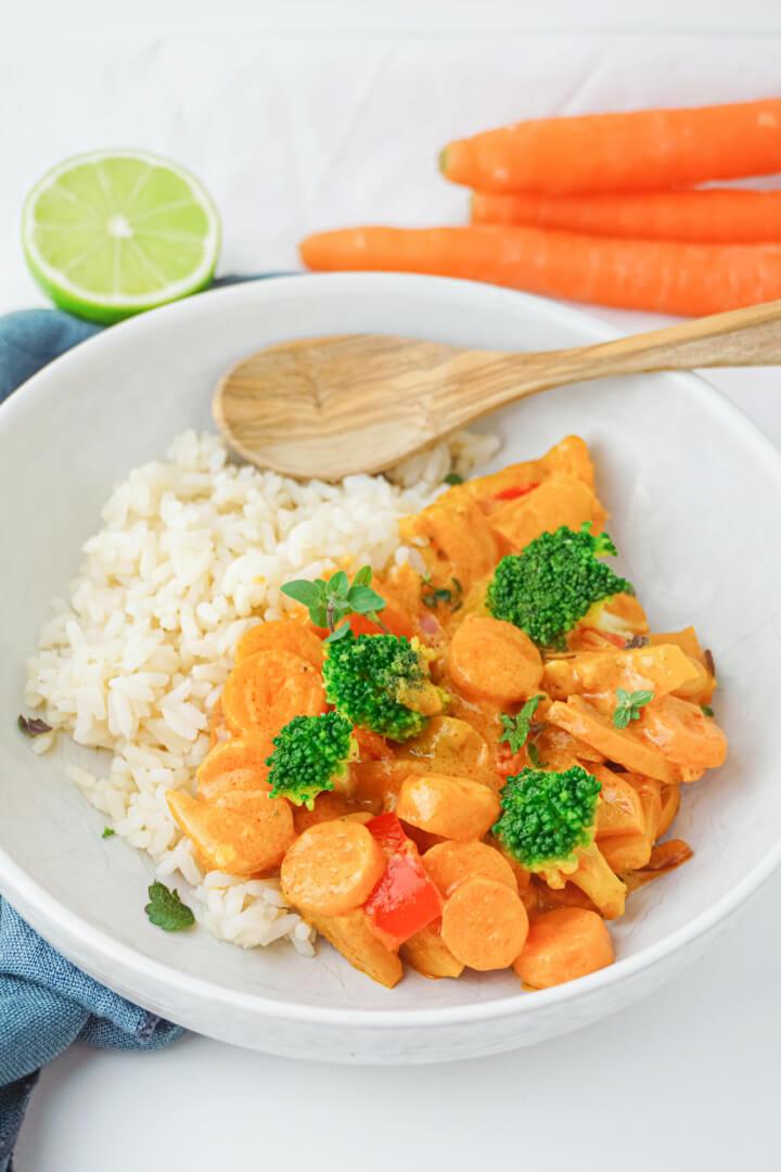 Veganes Gemüse Curry mit Kokosmilch