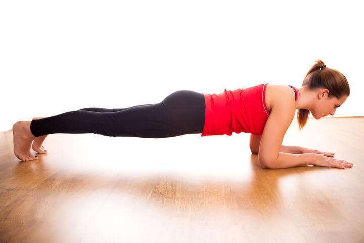 Plank als Übung für den Bauch
