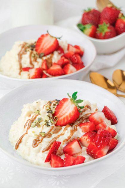High Protein Milchreis mit Erdbeeren