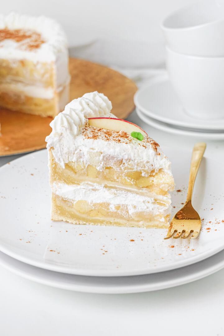 Zuckerfreie Apfel-Torte mit Zimt und Skyr
