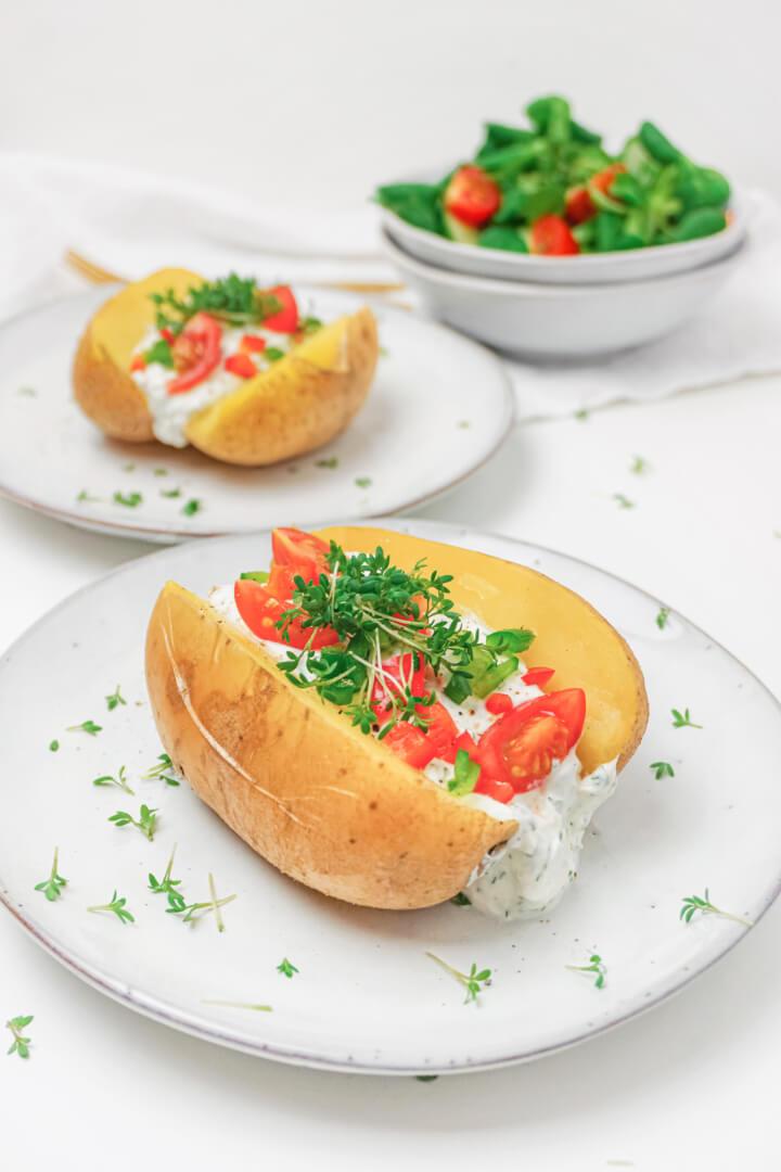 Gefüllte Ofenkartoffeln mit Quark Dip