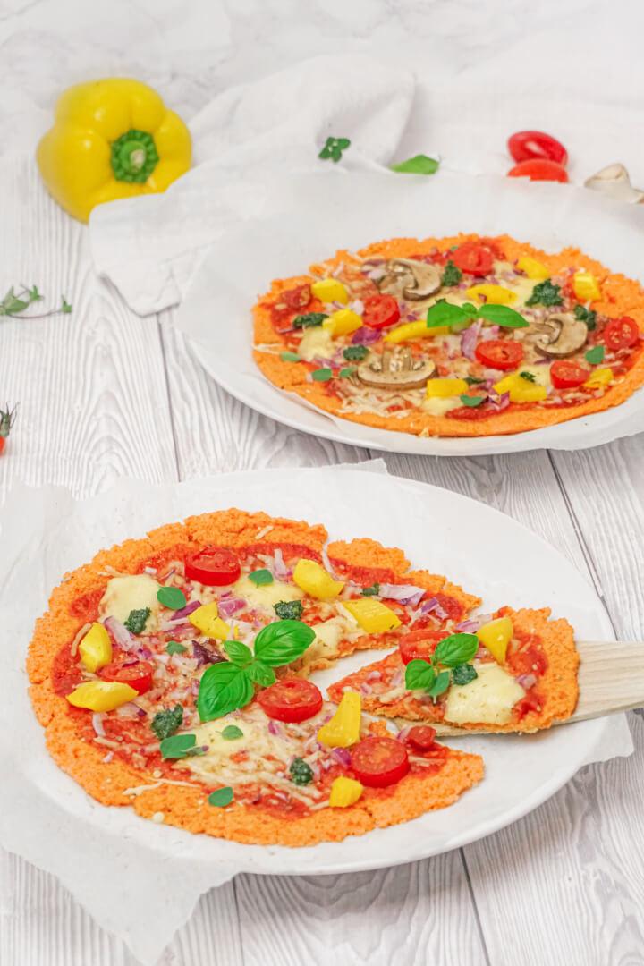 Rote Linsen Pizzateig mit Belag