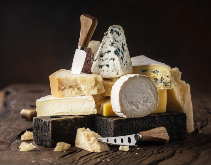 Verschiedene Low Carb Käse